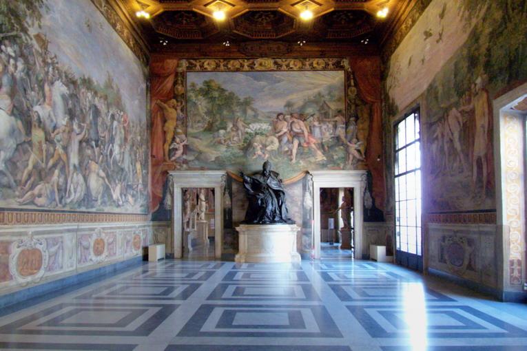 Musei_capitolini_stanza_con_statua_innocenzo_x