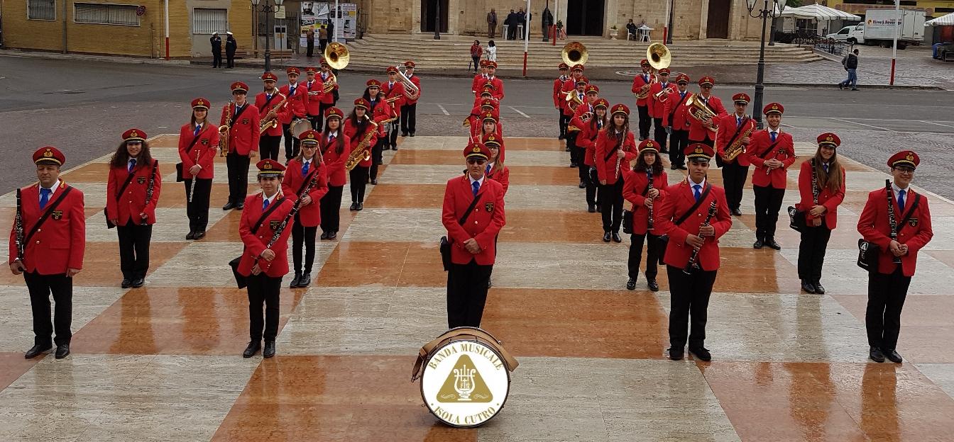 banda musicale cutro 1 maggio stretta