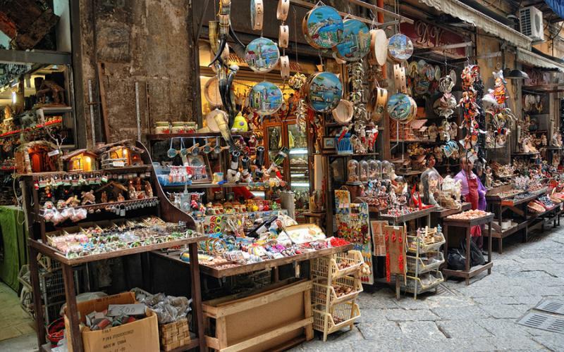 A Napoli una via dedicata ai presepi